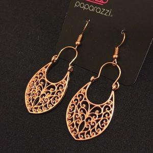 NWT beautiful scroll copper color earrings